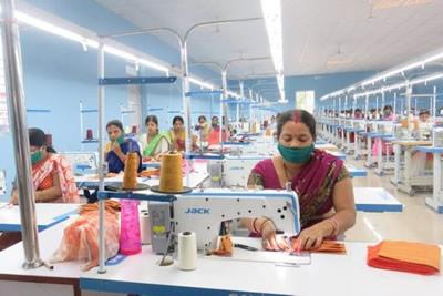 سلاسل توريد المنسوجات والملابس في زمن COVID-19: تحديات للبلدان النامية